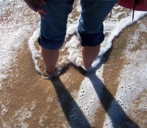 B feet in tide