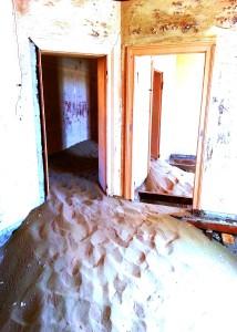 Kolmanskop mirrors